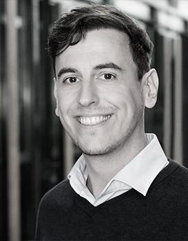 Auf dem Bild ist Dr. Michael Haas zu sehen. Er ist Geschäftsführer bei Media Smart e. V.